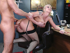 Leya Falcon gets her ass drilled in the office