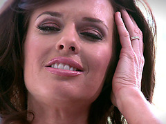 Veronica Avluv demonstrates her body and rubbing her clit smoothly