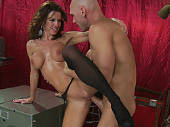 Hot MILF Veronica Avluv squirts her pussy fluid during a fuck