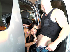 Car driving mom Rachel Starr giving head in public