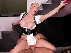 Hot blonde maid Victoria Summers takes pussy fucking instead of cash