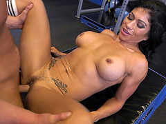 Busty mature athlet Xo Rivera fucked in an empty gym
