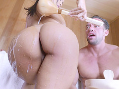 Big ass mom Isis Love and Zoe Parker have fun in sauna