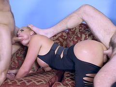 Sultry blonde mom Phoenix Marie gets ripped up with dicks in threesome