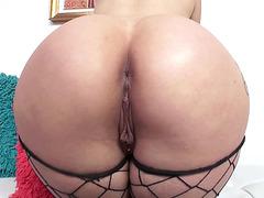 Cock loving brunette Katrina Jade fingering her big ass