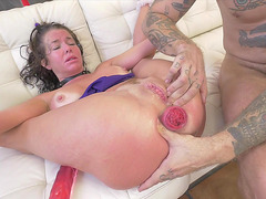 Gorgeous Veronica Avluv shows her prolapse as she is fucked