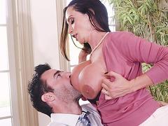Amazing mom Ariella Ferrera gets her big melons licked