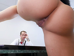 Outstanding Katrina Jade is going to seduce the tax agent