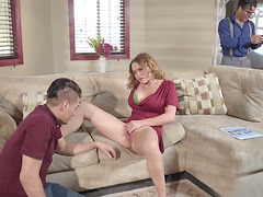 Hot mom Krissy Lynn gets her slit tongued