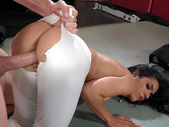 Tia Cyrus gets her twat drilled from behind
