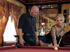 Johnny Sins gets seduced by Bonnie Rotten