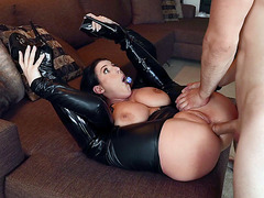 Busty Angela White threw her legs back and got anus destroyed