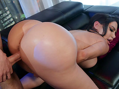 Latina Lela Star on her fours gets pussy dilled