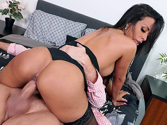 Layla Sin shakes her ass on the stiff dick