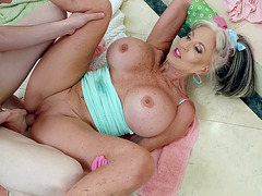 Huge titted Sally D'Angelo spread legs and got pussy railed