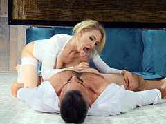 Alix Lynx pleasures the dick with her skillfull mouth