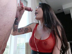 Brenna Sparks on her knees gives masterful blowjob