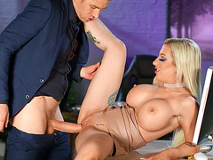Busty bombshell Skyler McKay gets her pussy nailed by Danny D