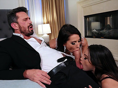 Liv Wild and Madison Ivy are sucking the dick