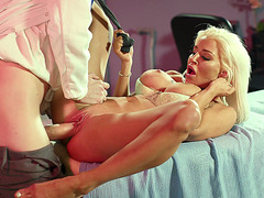 Sienna Day loves getting her pussy filled with the big cock