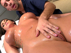 Alison Tyler gets her whole body rubbed down
