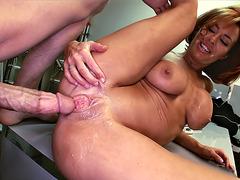 Veronica Avluv gets her juicy cunt slammed