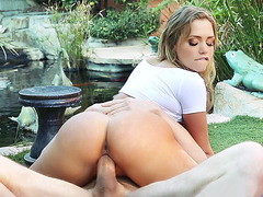 Mia Malkova loves to fuck his juicy cock