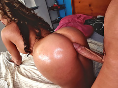 Richelle Ryan felt his huge cock pushing deep into her pussy