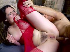 Samantha Bentley takes it in her British butt